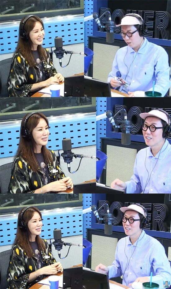 '철파엠'에 엄정화가 게스트로 출연했다. / 사진=SBS 파워FM 방송 캡처