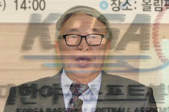 야구부 폭력에 무관용을 강조해온 김응용 회장(사진=엠스플뉴스)