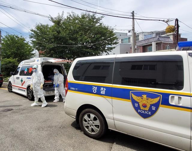 경찰과 보건당국이 17일 경북 포항에서 확진 판정을 받고 도주한 40대 여성을 찾고 있다. 독자제공
