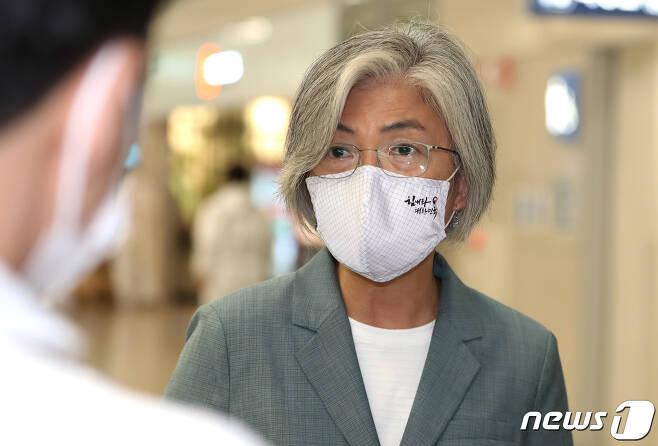 강경화 외교부 장관 2020.8.11/뉴스1 © News1 정진욱 기자