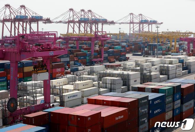 인천 연수구 인천신항. 2020.7.21/뉴스1 © News1 정진욱 기자