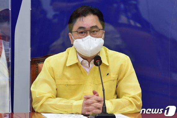 김종민 더불어민주당 최고위원이 9일 오전 서울 여의도 국회에서 열린 최고위원회의에서 발언하고 있다.
