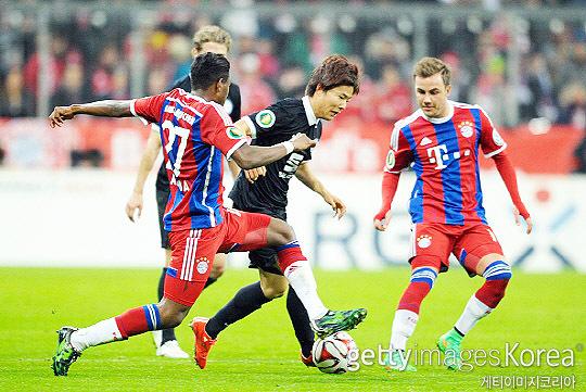 2015년 3월 4일 독일 DFB 포칼컵에서 바이에른 뮌헨을 상대한 류승우. 류승우는 2014-2015시즌 브라운슈바이크 공격의 한 축을 담당했다(사진=게티이미지코리아)