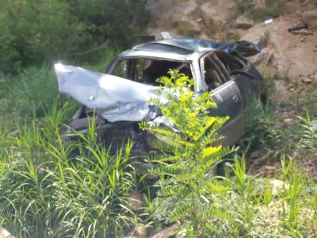 지난 7월 5일 경북 울진군 금강송면 불영계곡에서 발견된 최씨의 차량이 심하게 망가져 있다. 울진경찰서 제공