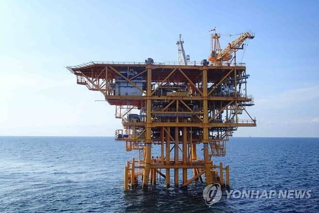 베트남 해상 15-1 광구 원유 생산시설 [연합뉴스 자료사진]