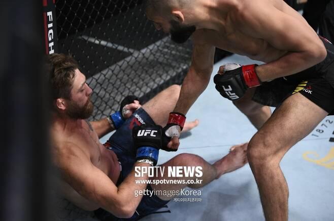 ▲ 함자트 치마예프는 지난 20일 UFC 파이트 나이트 178에서 제랄드 머샤트를 17초 만에 KO로 눕혔다.