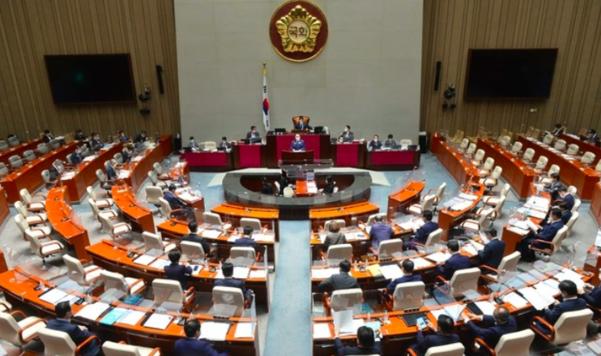국회 예산결산특별위원회가 22일 전체회의를 열고 4차 추경을 처리했다. 뉴시스