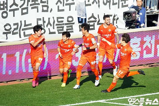 지난 시즌 강원 FC는 K리그1 돌풍의 주역이었다(사진=엠스플뉴스)