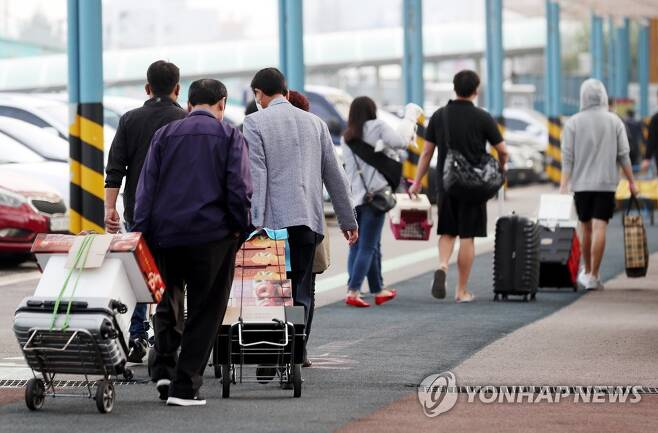 백령도행 여객선 타고 고향 가는 길 [연합뉴스 자료사진]