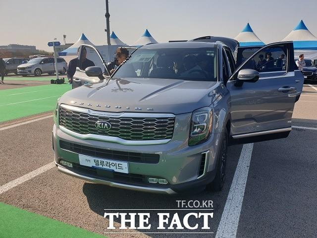 현대·기아차 등 국내 완성차 업체의 미국 시장 점유율이 지난 2011년 이후 9년 만에 최대인 8.9%를 기록했다. 사진은 기아차 대형 SUV '텔루라이드' /더팩트 DB