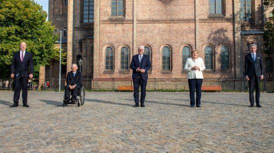 3일 독일 브란덴부르크주 포츠담에서 프랑크발터 슈타인마이어 독일 대통령, 앙겔라 메르켈 총리 등이 참석한 가운데 통일 30주년 행사를 치르고 있다. [이미지출처=EPA연합뉴스]