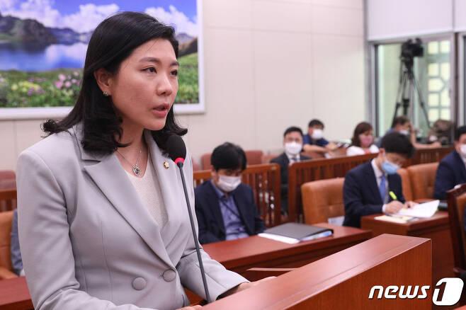 신현영 더불어민주당 의원. © News1 성동훈 기자