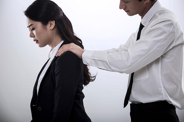 2019년 의료계 성평등 설문조사 결과에 따르면, 여성 의사 747명 중 264명(35.3%)이 '의료기관 재직 중 성희롱·성폭력을 경험했다'고 밝혔다./클립아트코리아 제공