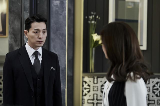 [서울=뉴시스] tvN 주말극 '비밀의 숲2'에 출연한 배우 정성일 (사진 = tvN) 2020.10.08. photo@newsis.com