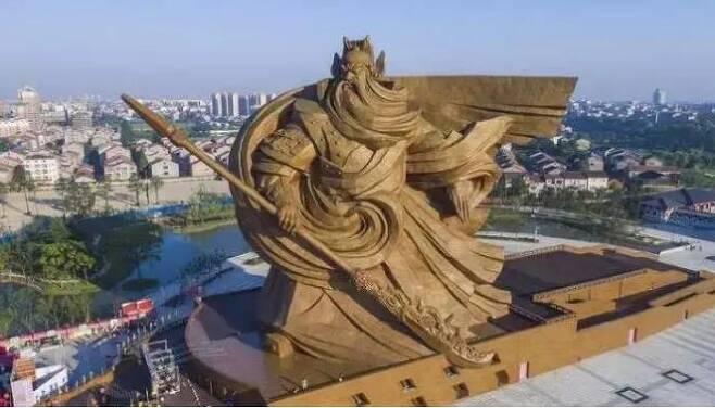 중국 후베이성 초대형 관우 청동조각상 [환구시보 캡처.재판매 및 DB 금지]