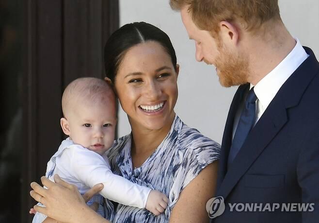 해리 왕자 부부와 아들 아치 [EPA=연합뉴스 자료사진]
