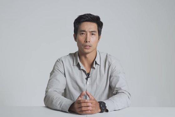 채무 논란과 성추행 처벌 전력, 허위 경력 의혹 등에 휩싸인 《가짜사나이》의 이근 대위 ⓒ 유튜브 채널 캡처