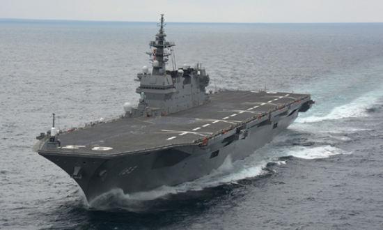 일본 해상자위대 소속 호위함 이즈모함이 항해를 하고 있다. 이즈모함은 경항모로 개조될 예정이다. 세계일보 자료사진