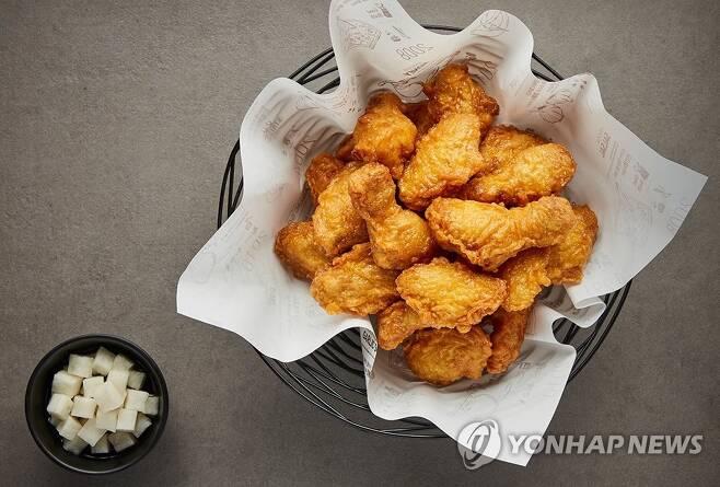 닭 다리와 날개로 이뤄진 교촌치킨 인기 제품 '허니콤보' [교촌치킨 홈페이지 캡처]