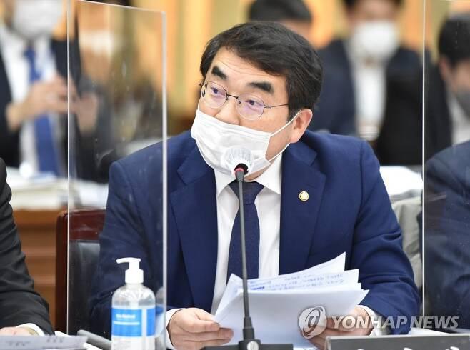 질의하는 양기대 의원 [연합뉴스 자료사진]