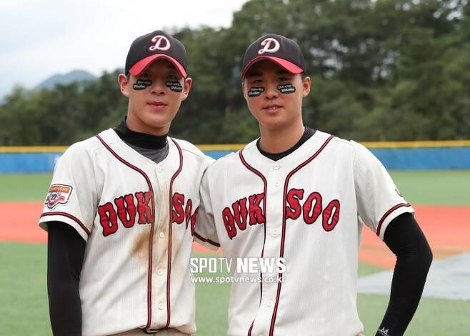 ▲ 덕수고 나승엽(왼쪽)과 장재영. ⓒ한희재 기자