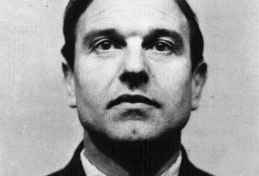 주한 영국 공관 내에 비밀정보부 서울지부를 차렸던 조지 블레이크. 그는 나중에 이중스파이가 돼 소련을 위해 암약한다.  출처=영국 정부