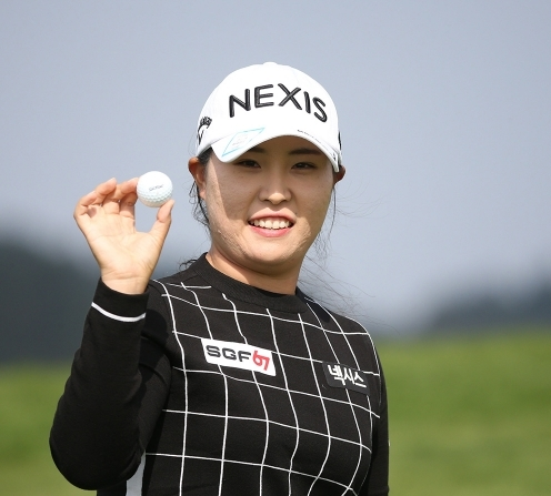 2020년 한국여자프로골프(KLPGA) 투어 휴엔케어 여자오픈 골프대회에 출전한 김보아 프로가 최종라운드에서 홀인원을 기록했다. 사진제공=KLPGA