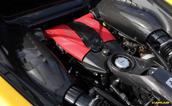 3.9리터 V8 트윈터보 엔진