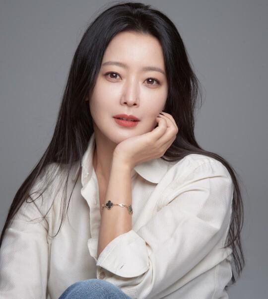 '앨리스'에서 박선영, 윤태이로 1인 2역을 열연한 배우 김희선. 제공|힌지엔터테인먼트