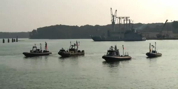 미 해군의 함정 보호용 무인보트 군집 시험 장면.