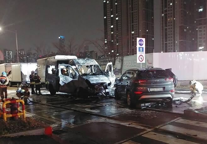 불에 탄 차량 [인천 송도소방서 제공. 재판매 및 DB 금지]