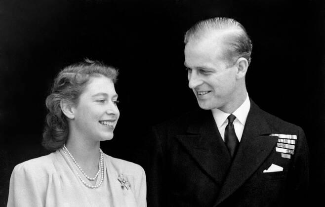 1947년 7월 9일 엘리자베스 2세 여왕과 필립공의 약혼식. /사진=영국 왕실