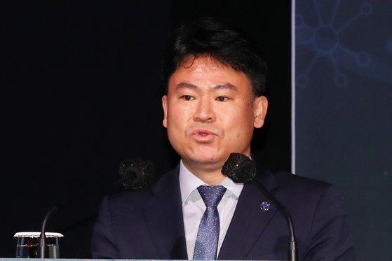 김준하 광주과학기술원 교수가 '한국판 그린 뉴딜'을 주제로 발표하고 있다. 장진영 기자