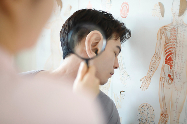 국내 연구팀이 만성 이명 환자의 인지장애 발생을 조기에 예측할 수 있는 바이오마커플 연구한 결과가 발표됐다./사진=클립아트코리아
