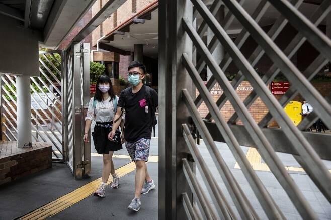 여느 대학과는 다르게 홍콩 이공대는 외부인 출입이 철저하게 금지됐다. /AFPBBNews=뉴스1
