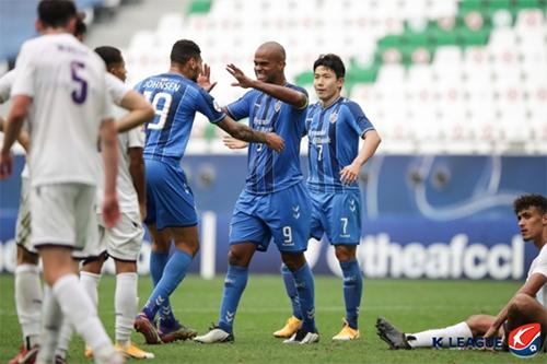 울산 현대는 27일(현지시간) 열린 2020 AFC 챔피언스리그 조별리그 F조 4차전에서 퍼스 글로리를 2-0으로 이겼다. 사진=한국프로축구연맹 제공