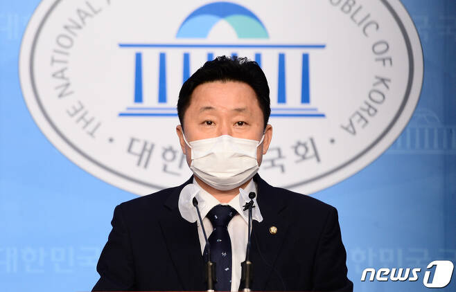 최인호 더불어민주당 수석대변인. © News1 성동훈 기자