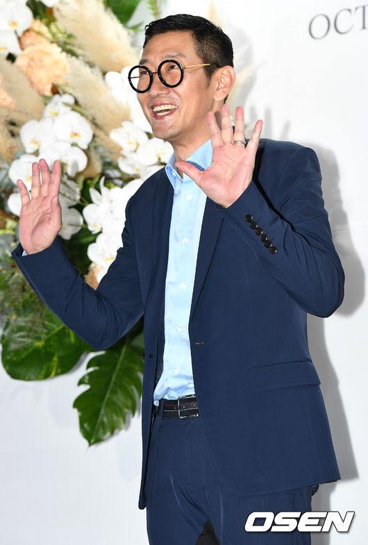 [OSEN=최규한 기자]가수 김창열이 하객으로 참석해 포토타임을 하고 있다. /dreamer@osen.co.kr