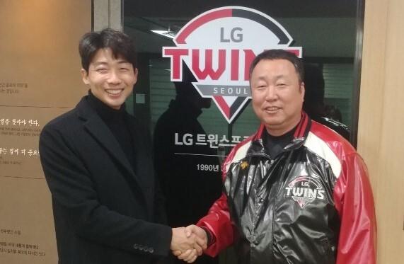 ▲ 김용의(왼쪽)-차명석 단장. ⓒ LG 트윈스