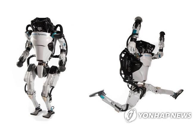 현대차, 미국 보스턴 다이내믹스 인수 (서울=연합뉴스) 현대차그룹이 미국 로봇 전문 업체 '보스턴 다이내믹스'에 대한 지배 지분을 '소프트뱅크그룹'으로부터 인수하기로 최종 합의했다고 11일 밝혔다.      사진은 보스턴 다이내믹스의 2족 보행 로봇 아틀라스.       [현대자동차그룹 제공. 재판매 및 DB 금지] photo@yna.co.kr