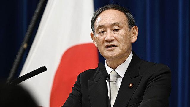 스가 요시히데 일본 총리가 9월 16일 도쿄 총리관저에서 취임 후 첫 기자회견을 열고 있다. 〈일본 교도통신〉