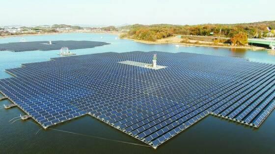 경기 화성시에 설치된 태양광 패널 모습. 전기요금에 기후·환경 요금이 반영되며 산업용 전기요금도 변동이 있을 것으로 관측된다. 뉴스1