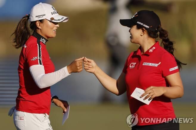 세계 랭킹 1위 고진영(왼쪽)과 2위 김세영. [AFP=연합뉴스]