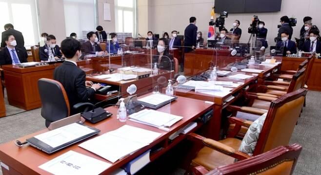 최근 국회 법제사법위원회는 국민의힘 의원들의 불참 속에서 법안논의를 진행하고 있다. 사진=연합뉴스