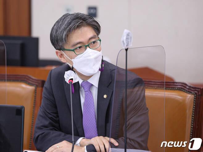 조정훈 시대전환 의원. 2020.11.2/뉴스1 © News1 신웅수 기자