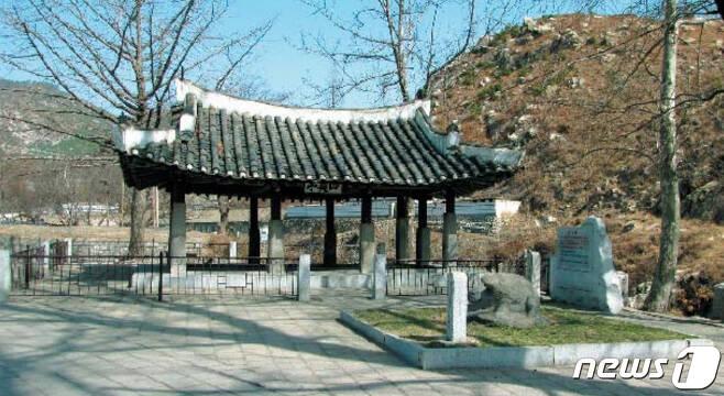 황해남도 해주시 옥계동에 있는 사미정. 19세기 후반에 건립됐고, 1966년에 복원됐다. (미디어한국학 제공) 2021.01.23.© 뉴스1
