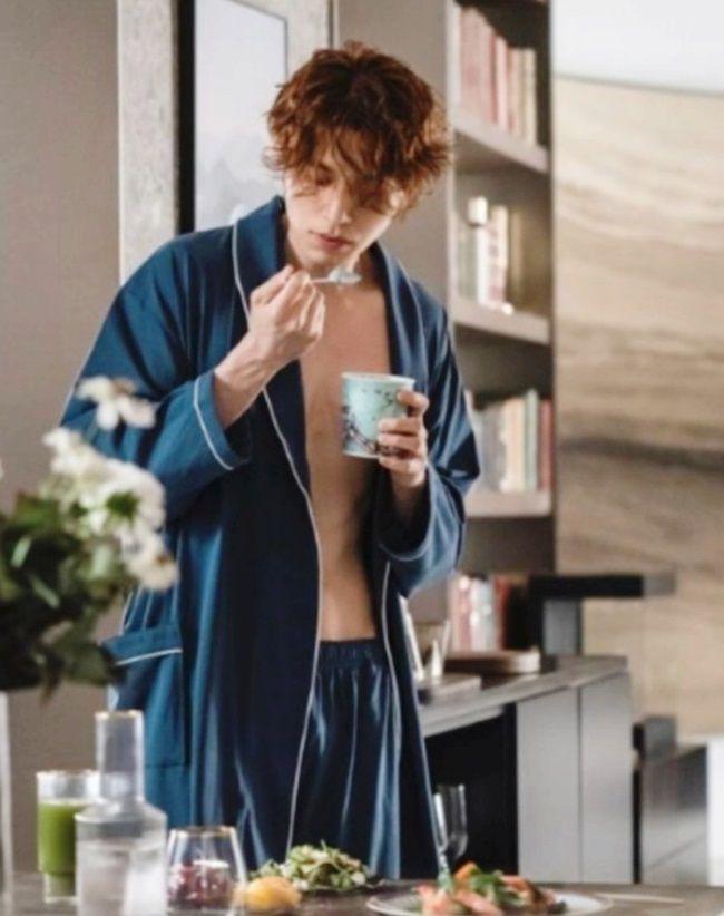 최근 종영된 드라마 '구미호뎐'에서 배우 이동욱은 '민트 초콜릿 맛 아이스크림'을 즐겨 먹는 구미호로 등장한다. /tvN