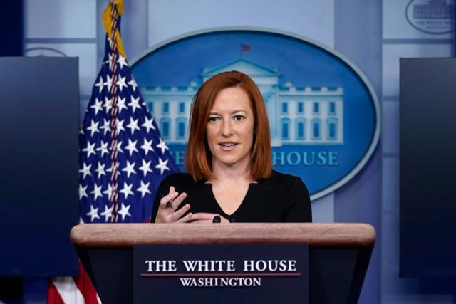 젠 사키 미국 백악관 대변인이 1일 워싱턴 백악관에서 언론 브리핑을 하고 있다. 워싱턴=AP 연합뉴스