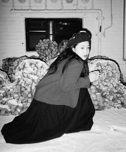 Red Velvet member Yeri reveals black and white photo to fansOn the 4th of today, Yeri posted a picture on his instagram saying, Yesterday when I snow.Yeri squats in the pile of white snow and stares elsewhere.Yeris unique atmosphere and black and white photographs combined to add to the mystery.In the photo, you can also see the Yeri costume: a black beret, a red coat, and a black dress.A scene from a Classical antiquity movie is reminiscent.The netizens who watched the photos cheered, Yeri took a picture yesterday when you came to snow? And What kind of pictures you take is pretty.[Photo] Yeri Instagram