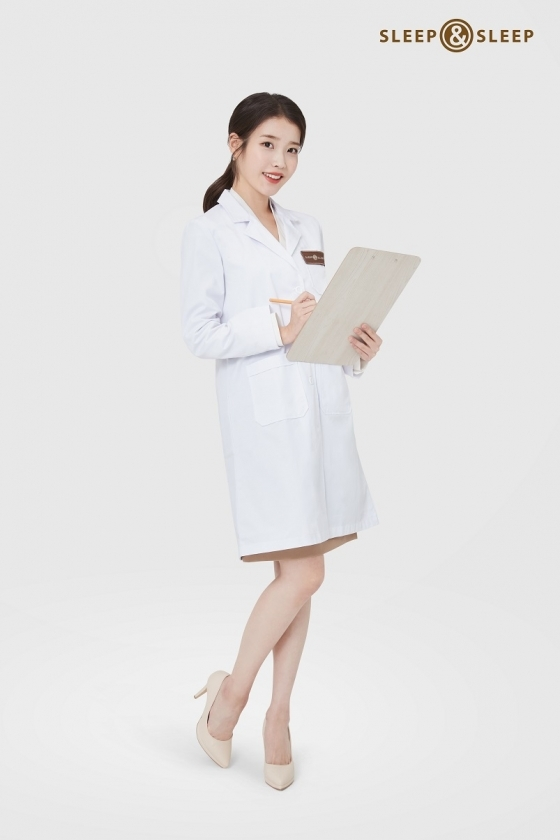 Singer and actor IU (Lee Ji-eun) was selected as the new exclusive Model for Total Sleepcare Brand (State).IU, which celebrates its 14th anniversary this year, is actively engaged in various fields such as music, acting, and entertainment with its unique love charm as well as musical depth and artistry.Recently, he released a new song Celebrity and is showing off his strength on various music sites.Eve decided that the IUs sincerity and good deed leading the long run are in line with the value the company pursues, and selected IU as the new face of Eve and its personalized Brand Sleep and Sleep.In the future, Eve plans to add freshness and freshness to the brand image and actively pursue the MZ generation based on the expertise and reliability that the company and Model have in common.Eve will produce and showcase the first new TV commercial that IU will take on Model, and from this point on, it will start marketing activities with IU in various channels.IU, the new face of Eve, is the most trendy and unique star in all areas, and I believe that it will lead to a lot of empathy and communication from the younger generation, said Ko Hyun-joo, head of the eves public relations team. We plan to solve the story of good sleep that Eve can speak only by adding the warmth of the new Model to the trustworthy eves brand image.